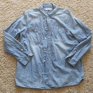 Madewell ex boyfriend chambray button up shirt